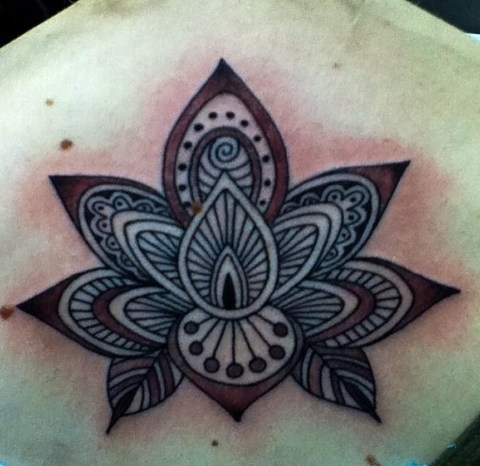 Buffy Ino Kua tattoo ornamental
